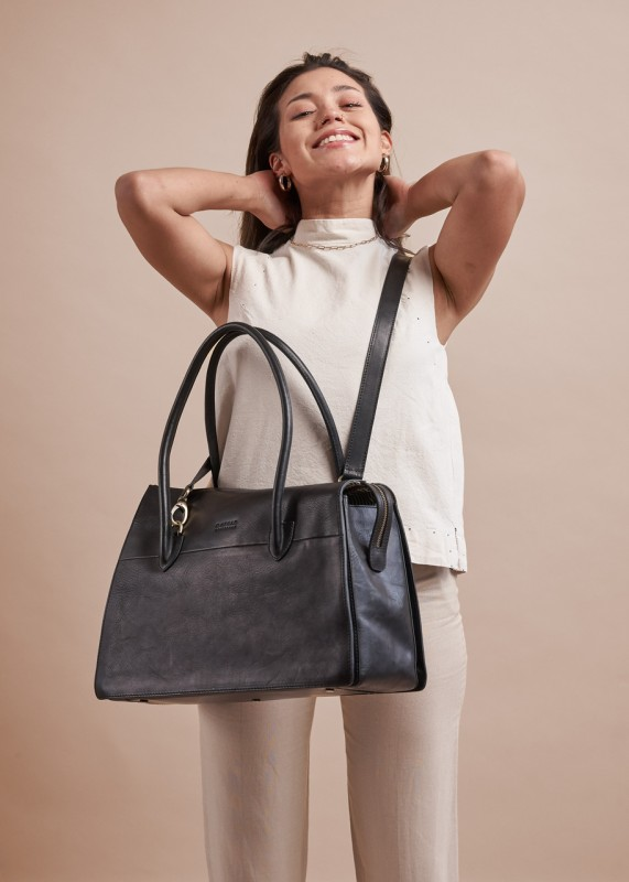 KATE Black Classic Leather