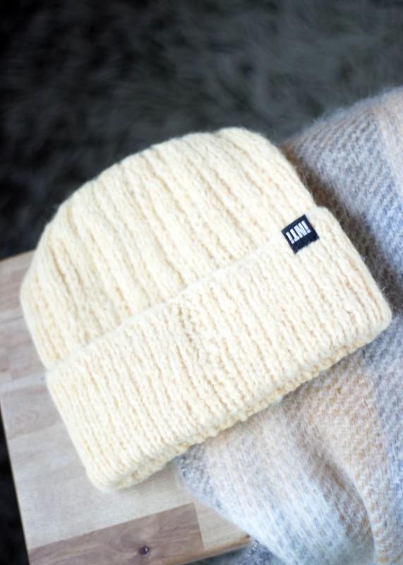 Soft Mütze aus Baby Alpaka , creme