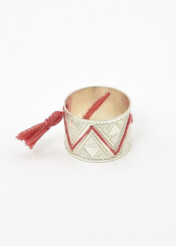 Breiter Ring, Silber, mit Muster bestickt